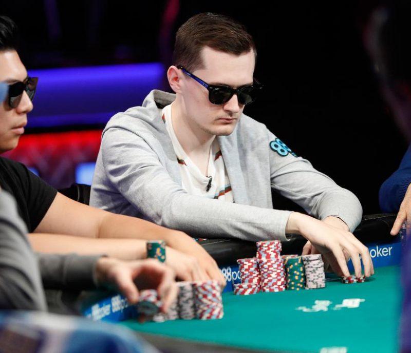 permainan poker yang menghasilkan uang